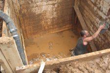 Защита скважин и колодцев от грунтовой воды