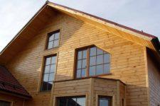 Как покрасить фасад деревянного дома, чтобы он выглядел безукоризненно несколько лет