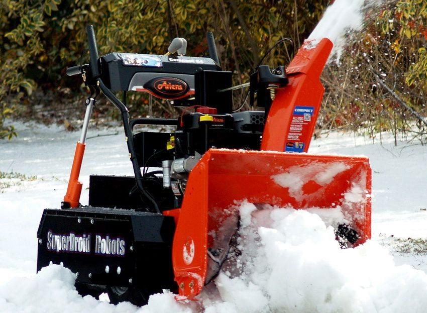 Как правильно выбрать малую снегоуборочную технику