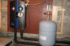 Расширительный бак системы отопления закрытого типа