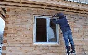 Окна ПВХ в доме из дерева