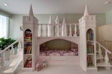 Детская кровать в виде замка