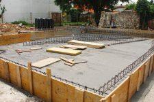 Бетон для строительства ленточного фундамента