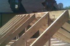 Особенности монтажа стропильной системы деревянного дома