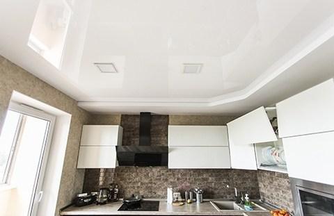 Натяжной потолок: максимально выгодное решение для кухни