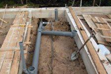 Проводим канализацию на даче