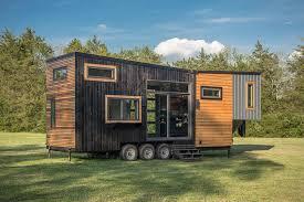 Компактный и уютный дом на колесах.