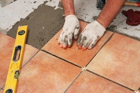 Технология монтажа плитки на деревянный пол