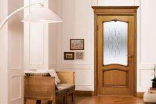 Как ухаживать за деревянной дверью