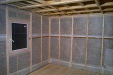 Пароизоляция стен и потолка бани