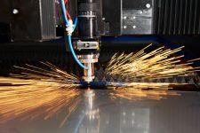 Резка металла с использованием лазера