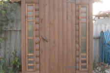 Деревянная кабина для летнего душа