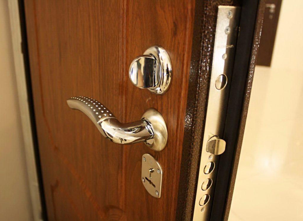 Основные характеристики составляющих входной металлической двери