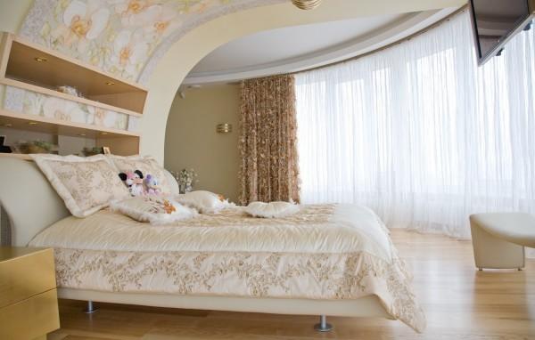 Натяжной потолок из портьерной ткани: красиво, быстро и недорого