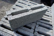 Строительный материал: керамзитоблок
