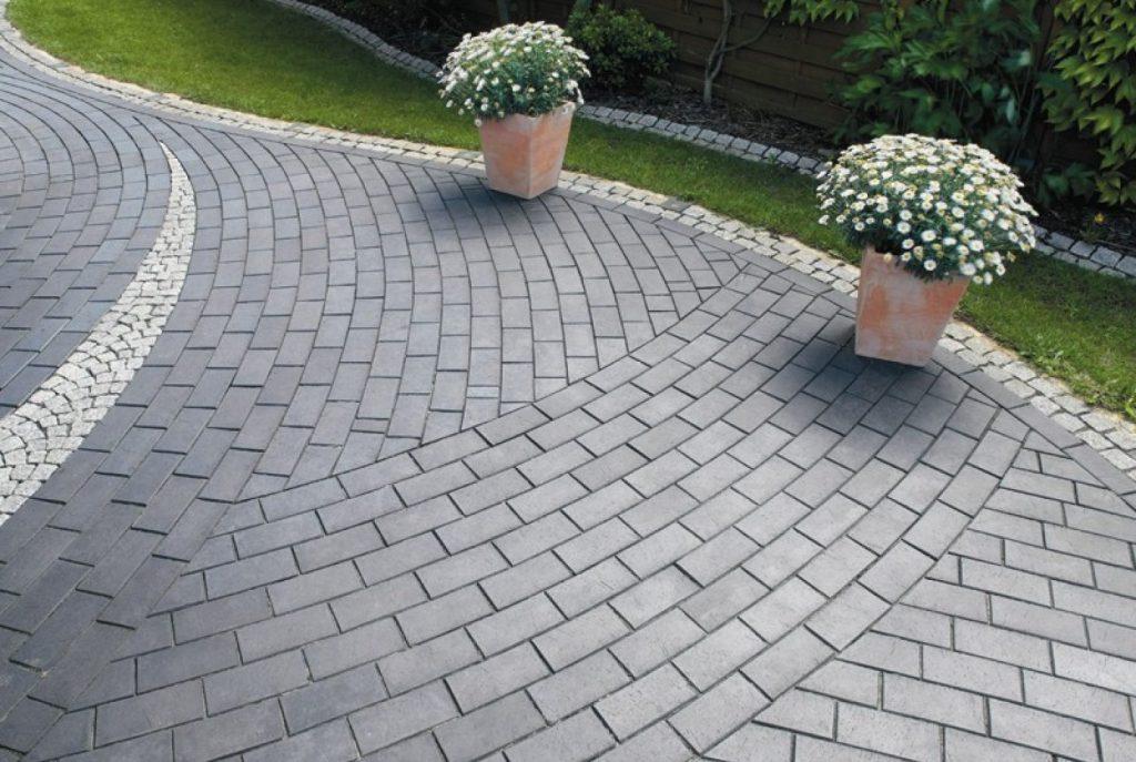 Как самому правильно произвести укладку тротуарной плитки?