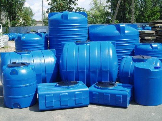 Пластиковые емкости для перемещения жидкости и реагентов с доставкой по Украине