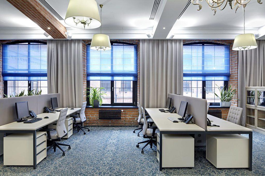 Выбираем римские шторы для офиса