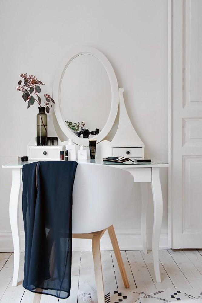 Как обустроить туалетный столик в маленькой спальне: 5 лучших идей
