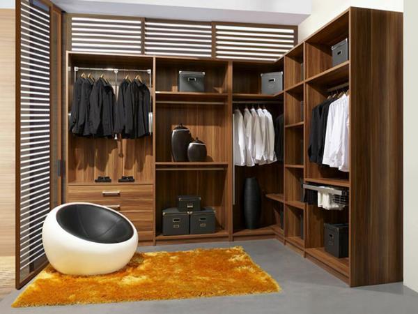 Как обустроить гардеробную в квартире?