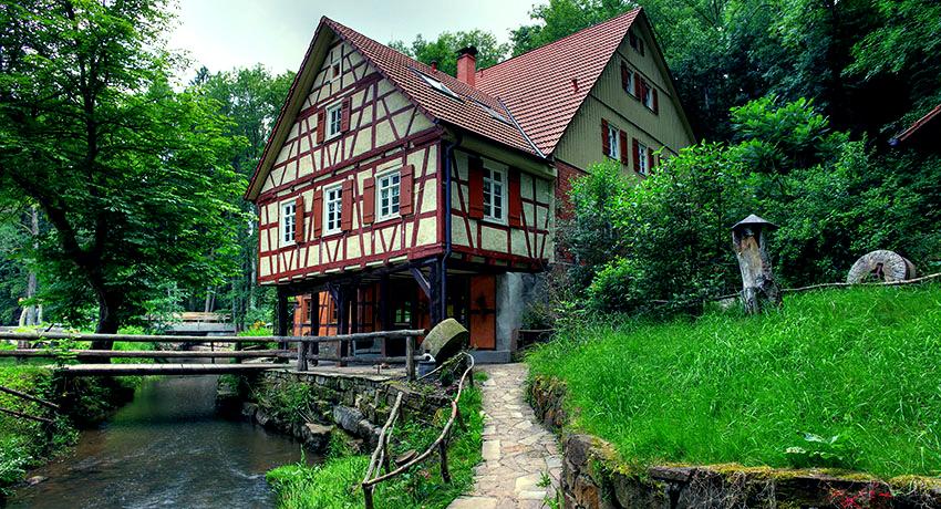 Дома в стиле фахверк: отражение средневековья в современном мире
