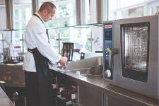 Тестомесы для ресторанов и льдогенераторы в Киеве: как составить меню и подобрать оборудование?