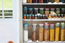 Кладовка в квартире: зачем нужна, где и как её сделать