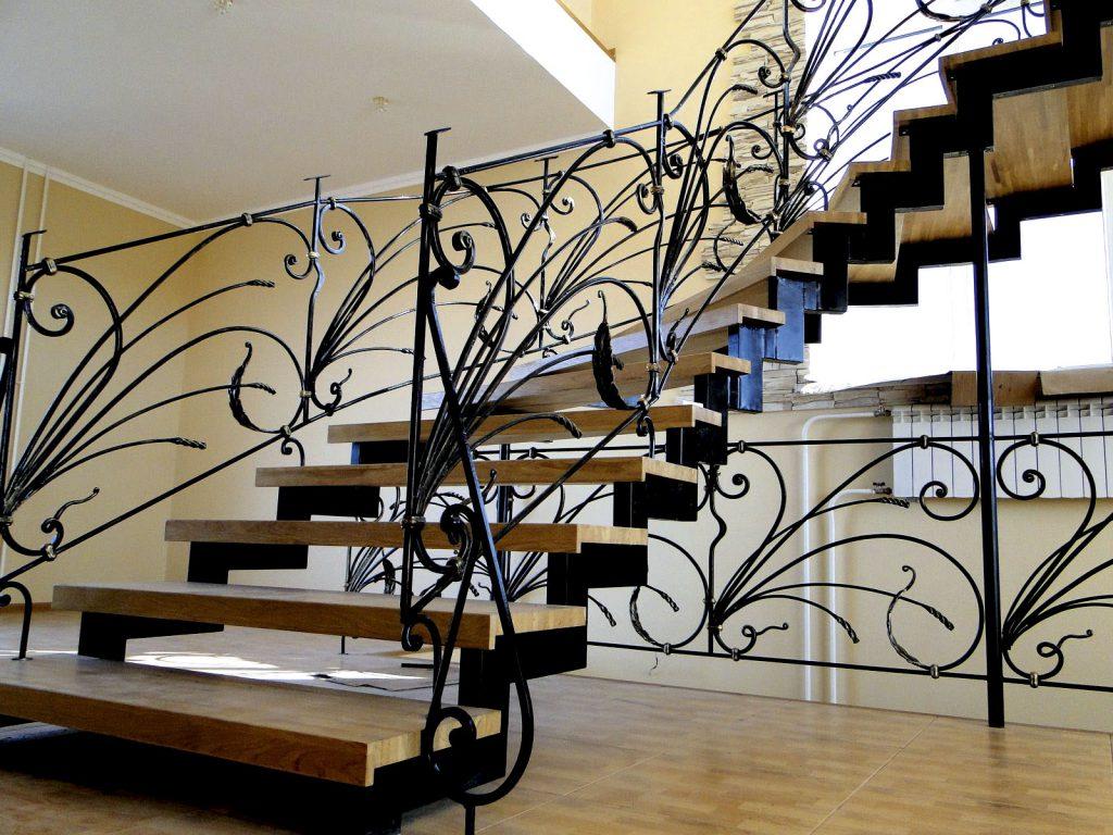 Лестницы и лестничное ограждение