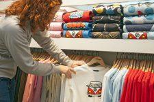 Как выбрать футболку в Интернете