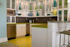 Холодильник на кухне: красивое решение есть!