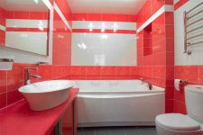 Яркие цвета в ванной