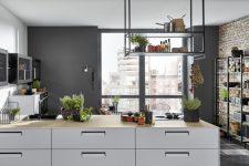 Что лучше: собрать кухню самому или заказать готовую?