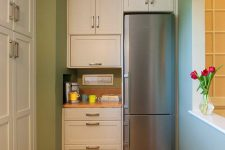 Куда спрятать холодильник