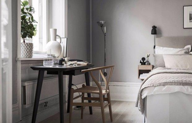 Как организовать рабочее место в спальне: три реальных примера