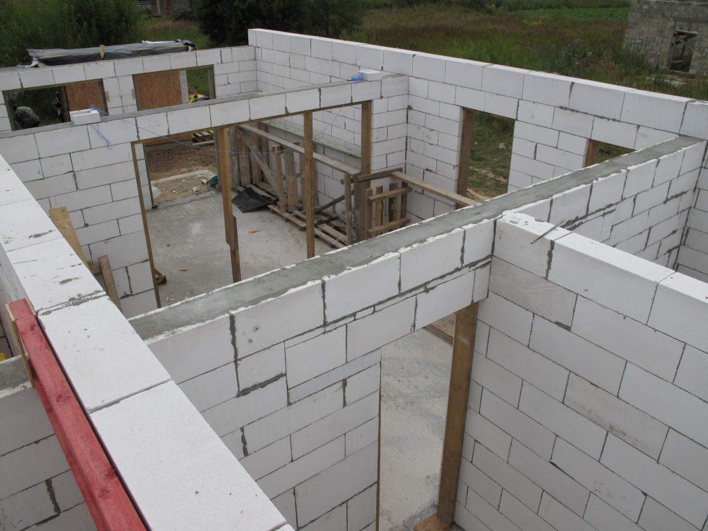 Возведение стен из газосиликатных блоков