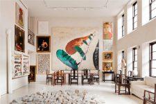 Галерейное дело: живопись, постеры и фотографии в интерьере