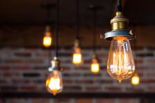 Освещение на балконе — как грамотно разместить и подобрать светильники?
