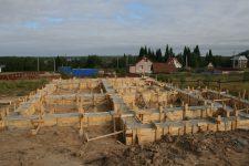 Начальные этапы строительства дома
