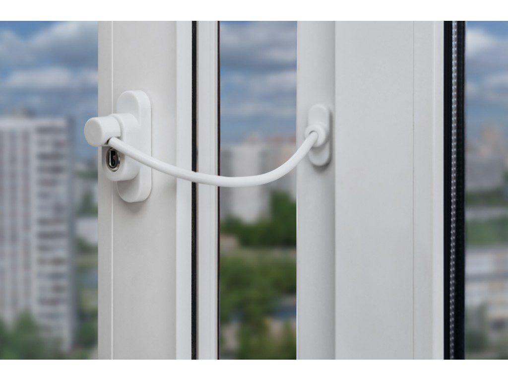 Для чего нужно защищать окна от детей