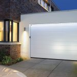 Автоматические гаражные ворота лучше традиционных?