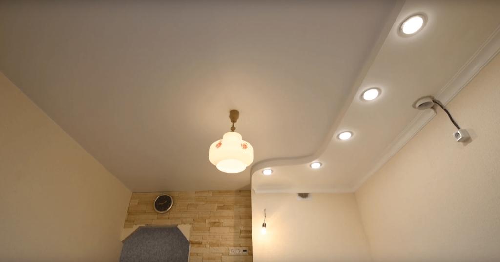 Качественный и стильный потолок