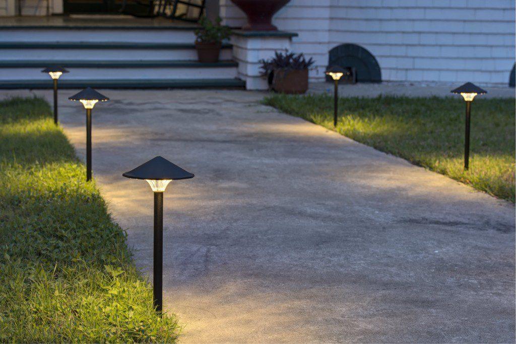 Наземные уличные фонари
