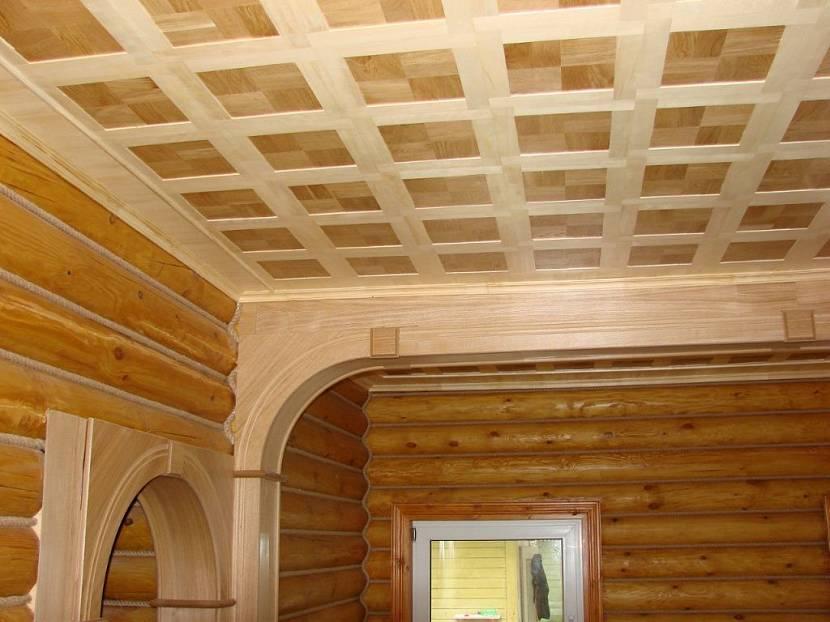 Чем обшить потолок в деревянном доме — лучшие решения