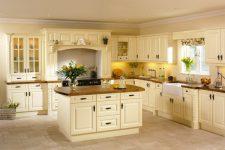 Кухня ванильного оттенка: идеи оформления