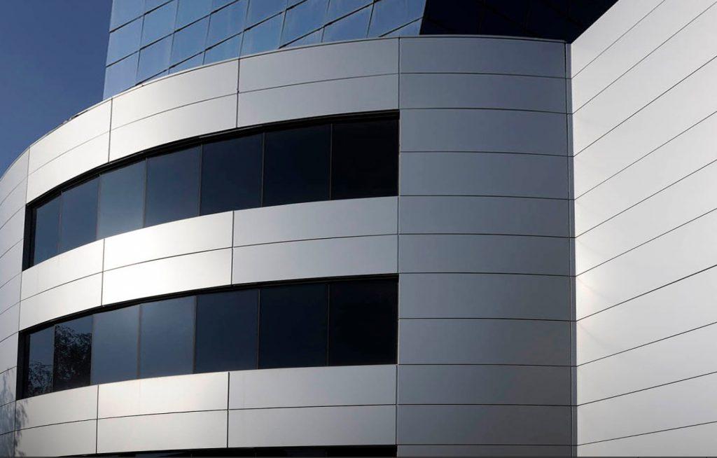Разнообразие фасадных материалов от Alutal