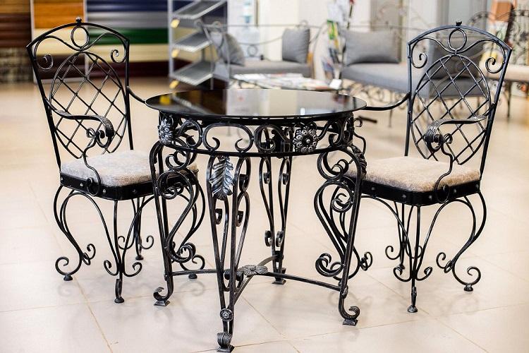 Кованая мебель в интерьере вашего дома
