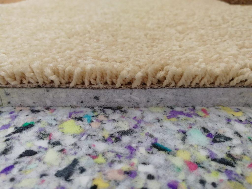Подложка под ковролин — какую лучше выбрать?
