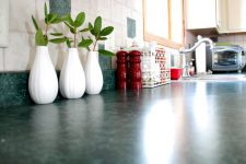 Чистая кухня за 10 минут: 5 практичных советов по экспресс-уборке