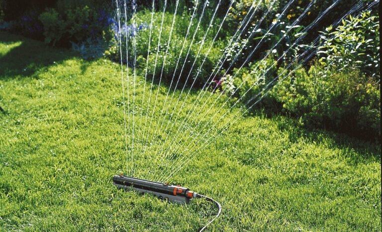 Дождеватели для оптимального полива газона
