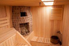 Внешняя и внутренняя отделка бани из сруба